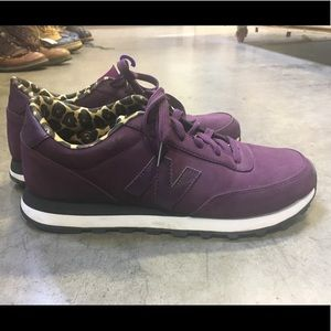 Purple suede New Balance- sz 9 like new !